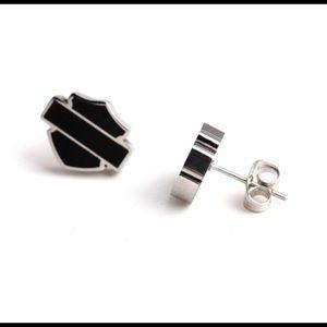 JUST IN 🔥HD Shield Earrings